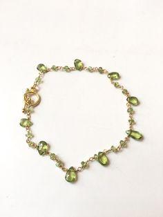Bracelet vert et doré style gourmette chaine dorée et par Ocelyane