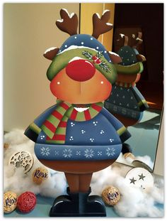 """Renna-Gnomo"" design Renee Mullins painted by Ross ""Renna-Gnomo"" Design Renee Mullins von Ross gemalt Kindergarten Christmas Crafts, Christmas Wood Crafts, Christmas Yard, Homemade Christmas Gifts, Christmas Signs, Country Christmas, Christmas Projects, Holiday Crafts, Christmas Decorations"