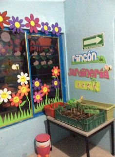 30 Classroom decoration for kindergarten - Aluno On Kindergarten Classroom Decor, 3rd Grade Classroom, School Hallways, Home Daycare, Class Decoration, Growing Plants, Pre School, Preschool Activities, Toy Chest
