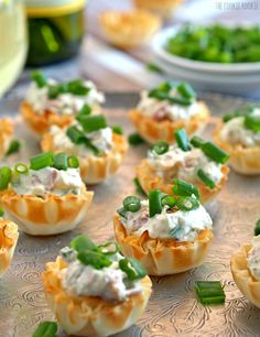 These Boursin & Prosciutto Phyllo Cups are the perfect bitesize appetizer! Perfect for wine night, the tailgate, or family holidays.-tried and delightful! Bite Size Appetizers, Finger Food Appetizers, Christmas Appetizers, Holiday Appetizers, Finger Foods, Appetizer Recipes, Appetizer Ideas, Phyllo Appetizers, Cold Party Appetizers