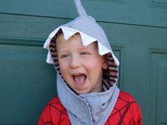 Toddlers and preschoolers will adore wearing their cute merino animal hat, available as a shark, dinosaur, cat and monkey. Great for dress-up & pretend play