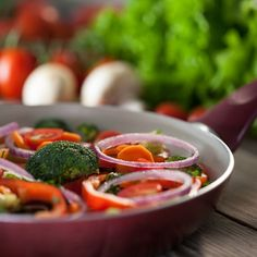 Frying vegetables in extra virgin olive oil adds to the antioxidant qualities of the produce, according to a recent Spanish scientific study.