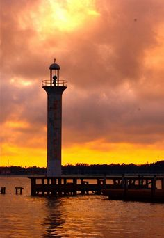 Top 10 Things to Do on the Mississippi Gulf Coast. I actually miss the Gulf Coast quite a lot. Vacation Destinations, Vacation Spots, Places To Travel, Places To See, Costa, Travel Usa, Hawaii Travel, Beautiful Places, Beautiful Sunset