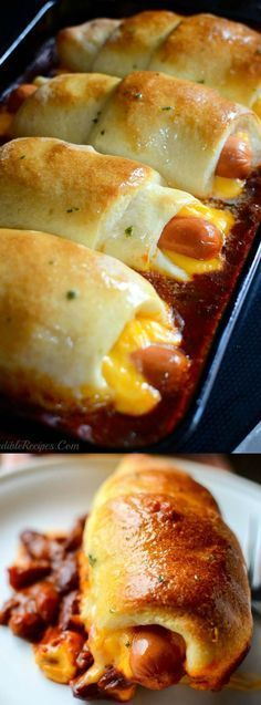 Chili Dog Dinner Recipes If you need an easy, cheesy, budget friendly dinner recipe then you are really going to LOVE this Chili Cheese Dog Bake recipe that's done in 18 minutes! Hot Dog Recipes, Beef Recipes, Recipies, Recipes With Hotdogs, Chili Dog Recipes, Best Chili Dogs Recipe, Leftover Chili Recipes, Hamburger Meat Recipes, Top Recipes