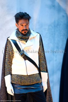 Oregon Shakespeare Festival. HENRY V (2012): Cristofer Jean. Photo: T. Charles Erickson.