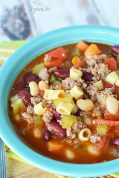 Instant Pot Copycat Olive Garden Pasta e Fagioli soup recipe! Easy and delicious, made with sausage just like the restaurant version. An authentic copy cat soup recipe! fagioli authentic Instant Pot Olive Garden Pasta Fagioli Recipe - A Mom's Impression Sausage Pasta Recipes, Healthy Pasta Recipes, Healthy Pastas, Blender Recipes, Cat Soup Recipe, Olive Garden Pasta Fagioli, Pasta Fagioli Recipe, Recipe Pasta, Pasta Sauce