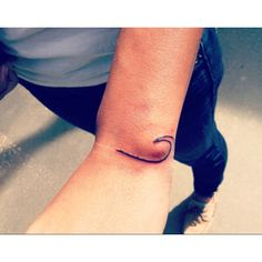 Wave tattoo, super simple! I really want this
