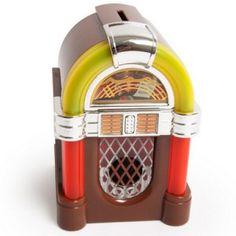 Tirelire originale jukebox : L'idée cadeau Made In Pinklemon ! Musicale, celle-ci saura être le gadget insolite et original que vous ne cherchez pas encore ! Véritable idée cadeau à offrir pour petits comme pour grands, toutes les occasions seront bonnes pour l'offrir sans ménagement. N'hésitez pas à retrouver les meilleurs cadeaux originaux sur http://www.pinklemon.fr !