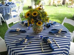 nautical decor, love the table cloth! Nautical Party, Nautical Wedding, Usa Party, Summer Centerpieces, Bachelorette Party Planning, Bridal Shower Decorations, Social Events, Party Themes, Party Ideas