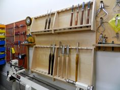 Best representation descriptions: Wood Lathe Tool Rack Related searches: Woodcraft,Catalogs for Woodworking Projects,Woodworking Plans Wood. Wood Turning Lathe, Turning Tools, Wood Turning Projects, Wood Lathe, Lathe Tools, Woodworking Lathe, Learn Woodworking, Woodworking Projects, Woodworking Workshop