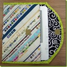 book cover made from fabric selvage.Kindle book cover made from fabric selvage. Quilting Tips, Quilting Projects, Sewing Projects, Fabric Bags, Fabric Scraps, String Quilts, Ipad, Small Quilts, Mug Rugs