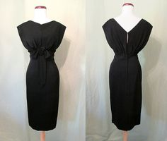Chic Designer Cocktail Party Dress with Shelf Bust by Jane Andre California! This is such a classic black cocktail dress with beautiful 40s Fashion, Timeless Fashion, Fashion Ideas, Fashion Outfits, 40s Style, Crepe Fabric, Wiggle Dress, Black Cocktail Dress, Black Magic