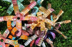 Art with Kids: Water Bottle Sculpture http://vickismithartwithkids.blogspot.com/2014/06/water-bottle-sculpture.html