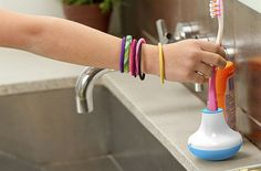 Bobble Brush Timer keeps track of your brushing time #gadgets