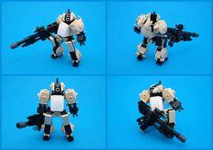 "Stolen XM9 - ""Gernsback"" - Desert Mercenary Asada | Flickr - Photo Sharing! Lego Bots, Cool Lego, Awesome Lego, Hunting Party, Lego Craft, Lego Mechs, Lego Figures, Lego Design, Lego Models"