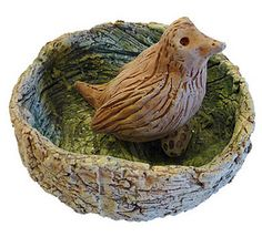 Birds in a Nest: texture! by Jenni Ward sculptor, art instructor and owner of Earth Art Studio  http://beingcr8iv.blogspot.com/2011/11/birds-in-nest.html