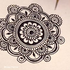 Easy Henna Mandala for Beginner Easy Henna Mandala for BeginnerYou can find Henna art and more on our website.Easy Henna Mandala for Beginner Easy Henna Mandala for Beginner Henna Hand Designs, Henna Patterns Hand, Simple Henna Patterns, Henna Flower Designs, Mehndi Designs Finger, Indian Henna Designs, Mehndi Designs For Beginners, Mehndi Designs 2018, Mehndi Designs For Fingers