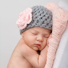 Baby Girl Crochet Knit Hat Baby Girl Hat Newborn Baby Hat Grey Gray with Pale Pink Flower    This sweet crochet baby girl hat is chunky yet light as