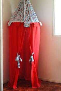 Tenda infantil de tecido e bambolê