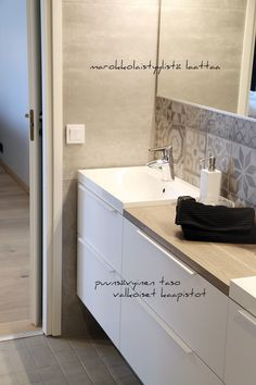 seinajoki asuntomessut19 Home Reno, House 2, Bathroom Storage, Bathroom Inspiration, My Dream Home, Double Vanity, Interior And Exterior, Toilet, Saunas