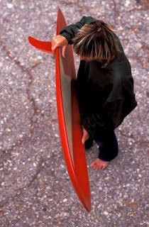 Pinned from SurfMatters (thank you). Photo of George Greenough with one of his Velo spoon kneeboards. The Man! Surfboard Skateboard, Surfboard Shapes, Wooden Surfboard, Surfboard Fins, Vintage Surfboards, Custom Surfboards, Retro Surf, Surf City, Surf Style
