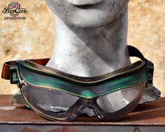 Burning Man Dieselpunk Schutzbrillen Luftschiff Mechaniker apokalyptischen Mad Max Geist grün Unic Element von PropCornShop auf Etsy https://www.etsy.com/de/listing/225572945/burning-man-dieselpunk-schutzbrillen