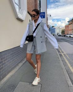 Best Outfit Styles For Women - Fashion Trends Stylish Outfits, Cool Outfits, Fashion Outfits, Fashion Trends, Fashion Pants, Sneakers Fashion, Dope Fashion, Daily Fashion, Swag Fashion