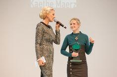 Preisübergabe an Katrin Gammisch, Label Kaethe Maerz Baseball Cards, Sports, Label, Style, Fashion, Hs Sports, Swag, Moda, Fashion Styles