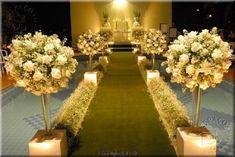 ideias-religioso-igreja-ambientes-flores-arranjos-folhas-designer-Cores-para-Decoração-de-Casamento-em-2012-moderno-luzes-dourado.jpg (490×3...