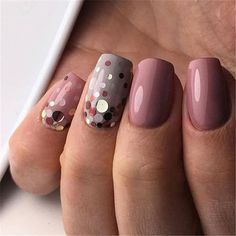 Adding some glitter nail art designs to your repertoire can glam up your style within a few hours. Check our fav Glitter Nail Art Designs and get inspired! Cute Nails, Pretty Nails, My Nails, Solid Color Nails, Nail Colors, Bridal Nails, Wedding Nails, Manicure Natural, Manicure Gel
