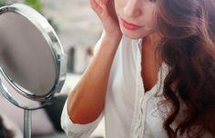 朝の1分で顔のむくみを撃退! 美肌効果もある、スペシャル小顔ケア法|ウートピ