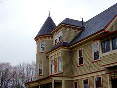 Maine Victorian Home, Queen Anne #houlton #maine