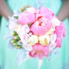 Tiffany blue and pinks. I adore. What a great combo.