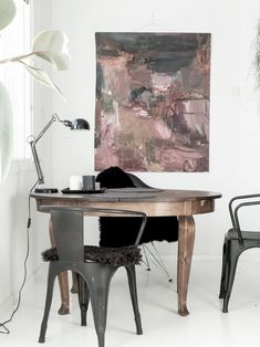 MEIDÄN HARMONIAA: Hujan hajan, mutta onnellinen Dining Table, Furniture, Home Decor, Decoration Home, Room Decor, Dinner Table, Home Furnishings, Dining Room Table, Home Interior Design