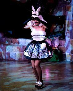 メガネみたいにしている仕草がカワイイったら   #ピューロイースター #イースターセレブレーションパレード  #puroland #ピューロランド #kawaii #ピューロランドダンサー #ピューロダンサー  #ピューロアンバサダー #廣瀬愛 さん Snow White, Disney Characters, Fictional Characters, Disney Princess, Instagram Posts, Fashion, Moda, Snow White Pictures, Fasion