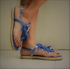 Infradito donna basso con strass fondo con corda modello espadrillas Sandals, Shoes, Fashion, Bangs, Rhinestones, Moda, Shoes Sandals, Zapatos, Shoes Outlet