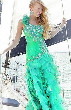 104 Riva Prom Dress