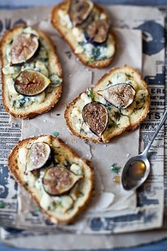 Fig, Gorgonzola & Honey Tartines by tartelette tapas Think Food, I Love Food, Good Food, Yummy Food, Tasty, Tartine Recipe, Crostini Recipe, Wine Recipes, Cooking Recipes