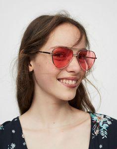 82d677e41d2ba Óculos tipo aviador espelhados rosa - Óculos De Sol - Complementos - Mulher  - PULL BEAR Portugal