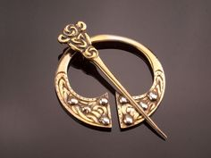 Robert Allison Silver Pin Brooch Scottish by BelmontandBellamy  with <3 from JDzigner www.jdzigner.com