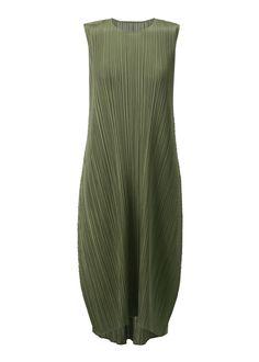 DARK OLIVE (no.69) Bridesmaids, Bridesmaid Dresses, Issey Miyake, Summer Dresses, Dark, Fashion, Bride Maid Dresses, Moda, Bridesmaid