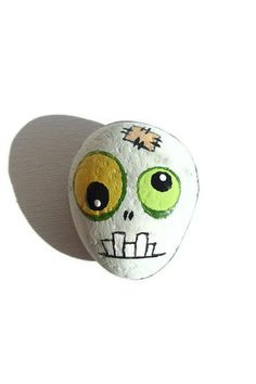 Zombie - Painted Zombie's Head - Painted Sea Stone