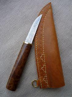 Blade by M. Barkmann, handle by Erich Singer, sheath by Tríona Ní Erc