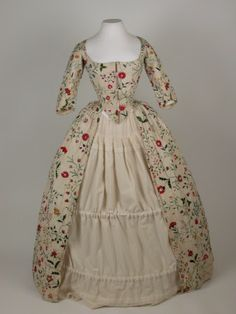 Embroidered linen gown Killerton Fashion Collection © National Trust / Sophia Farley and Renée Harvey 18th Century Dress, 18th Century Costume, 18th Century Clothing, 18th Century Fashion, 17th Century, Antique Clothing, Historical Clothing, Historical Costume, National Trust