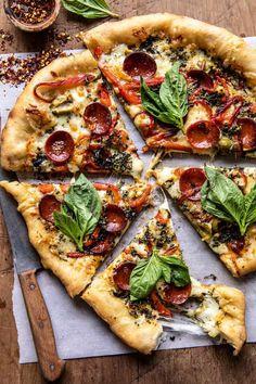 Bacon Pizza, Pesto Pizza, Pizza Pizza, Burrata Pizza, Crust Pizza, Pizza Dough, Pizza Recipes, Dinner Recipes, Dinner Ideas