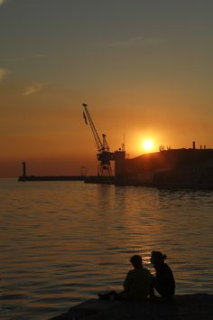 Enjoy sunset and socialize! Best Sunset, Thessaloniki, Sunrises, Scuba Diving, Places To See, Caribbean, Thailand, Africa, Around The Worlds