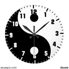 Circle Painting, Clock Painting, Unusual Clocks, Cool Clocks, Vinyl Record Crafts, Yin Yang Balance, Diy Clock, Digital Clocks, Wooden Clock