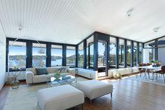 #homestyling #styling #livingroom #vardagsrum Välplanerad villa med sjöutsikt på Lidingö | Move2