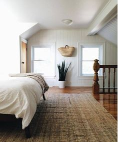 157 best low ceiling rooms sloped ceilings chalets images on rh pinterest com