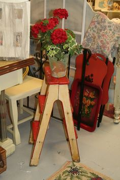 C. Dianne Zweig - Kitsch 'n Stuff: Step Up Your Antiques and Collectibles Displays Using Vintage Step Stools and Ladders